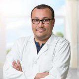 دكتور حسن صالح اسنان في الجامعة جدة